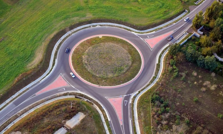 The great enigma of the roundabouts